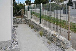 Natursteinmauer händisch verlegt, Gartengestaltung