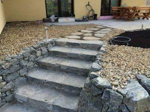 Stufenplatten, Wachauer Marmor, Mauersteine, handverlegt