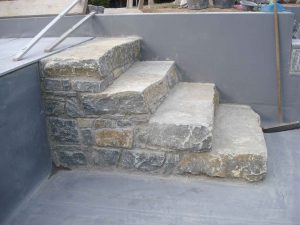 Trittstufen in Beton verlegt, Treppen, Naturstein, Stein, Wachauer Marmor