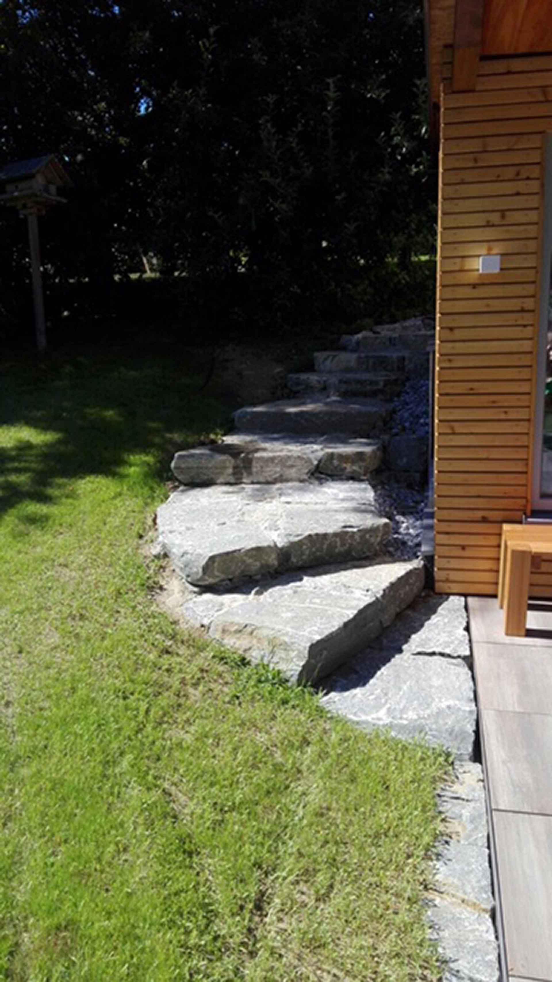 Trittstufen, Stiegen, Aufgang, Gehweg, Platten, Natursteinplatten