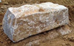 Natursteine, Wachauer Marmor, Sitzstein, Quellstein, Objektstein