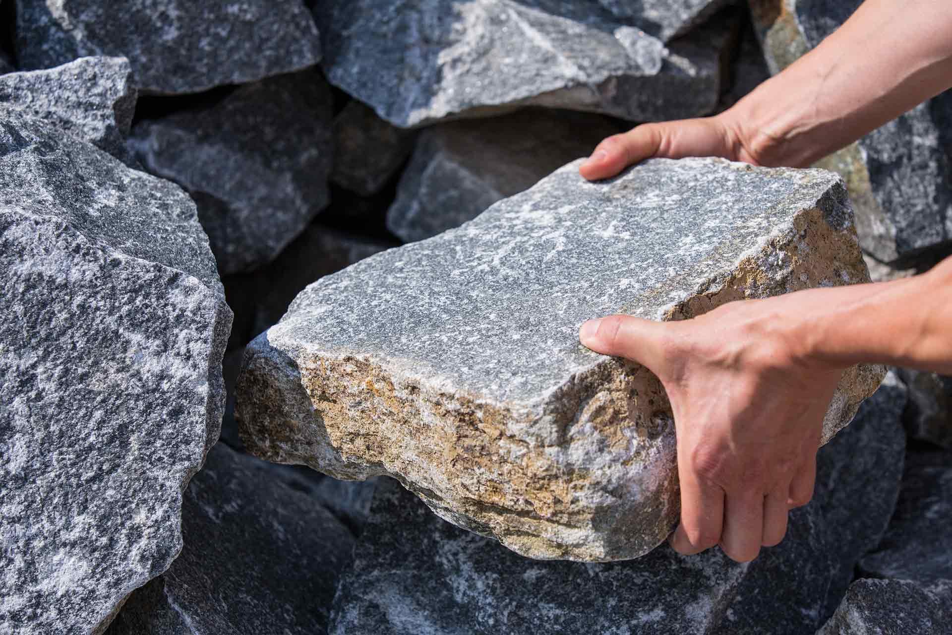 Mauerstein, Naturstein, Handverleger, Wachauer Marmor, hart wie Granit