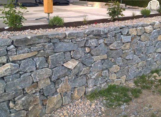 Natursteinmauer, Terrasse