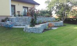Natursteinmauer, händisch verlegt, Trittstufen, Terrasse, Gartengestaltung, Hochbeet